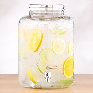 Light-And-Refreshing-Lemon-Water-Can-Help-Beat-The-Heat-And-Is-Good-For-You-Too